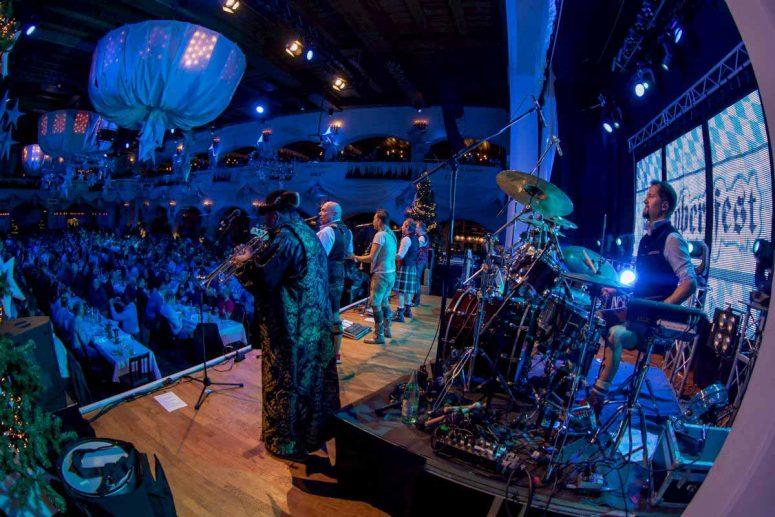 Wir heizen live dem Publikum ein im Löwenbräukeller